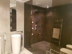 Pach bouw, pachbouw, Moderne badkamer, badkamer idee, aannemer in amstelveen, moderne badkamer, donkere badkamer,